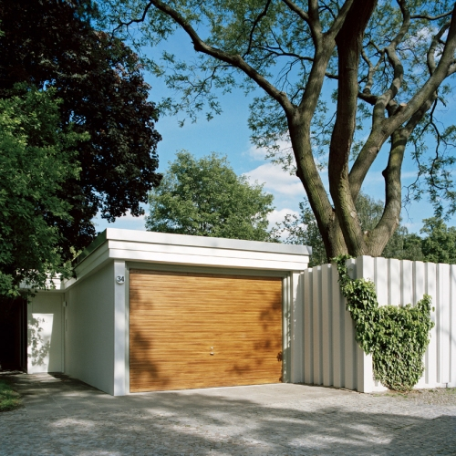 The 'Atriumhaus' - a beautifully designed atrium house in Händelallee, Hansaviertel, Berlin by award-winning architecture studio bfs d of Berlin
